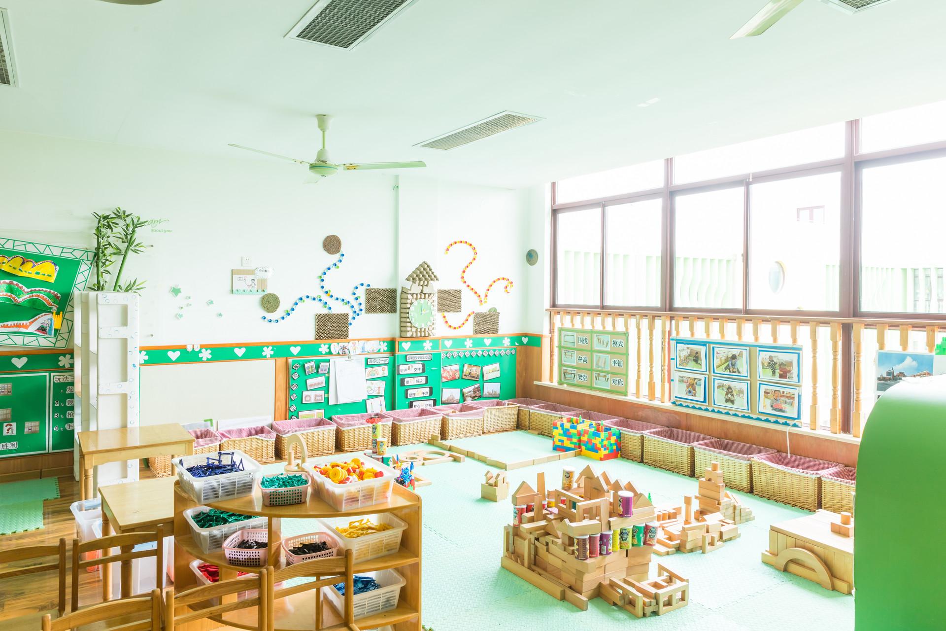 摄图网_501109700_banner_幼儿园教室环境(非企业商用).jpg